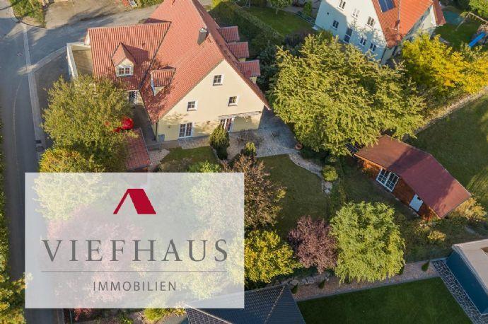 Sofort bezugsfertig: Modernes, offenes Einfamilienhaus mit großer Doppelgarage und eingewachsenem Garten (Baujahr 2001) Bergen auf Rügen