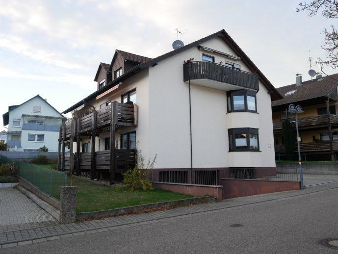 Ruhig und grün in Schöllbronn mit Balkon, Einbauküche und Carport Ettlingen