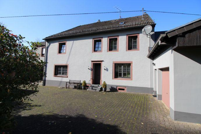 Landhaus mit Nebengebäuden zwischen Bitburg-Prüm...Pferdehaltung optimal Mützenich bei Prüm