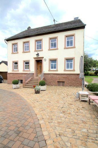 Wohnhaus mit landwirtschaftlichem Anwesen Nähe Prüm Mützenich bei Prüm