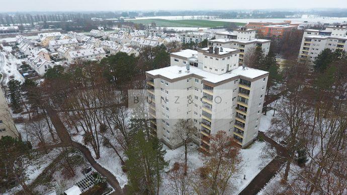 Gemütliche Etagenwohnung mit Süd-Loggia ins Grüne! Oberschleißheim