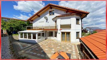 Entzückende Doppelhaushälfte mit Doppelgarage (200523)