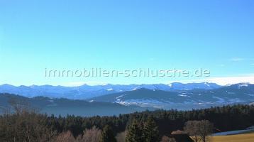 Feines kleines romantisches Hotel mit Restauration und Gästezimmer und Alpenpanoramablick