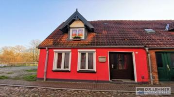 Dr. Lehner Immobilien NB - Vermietetes Einfamilien-Stadthaus mit Charme in Ortsrandlage