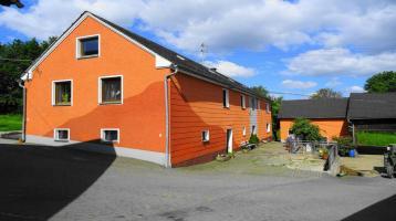 Landwirtschaftliches Anwesen mit Bauernhaus, Stallungen, Maschinenhallen und Nebengebäuden,Preis auf Anfrage!
