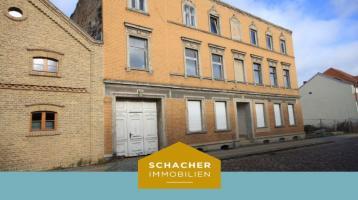 Sanierungsbedürftiges Jugendstilhaus von 1903 mit 6 Wohneinheiten in traumhafter Lage von Ketzin