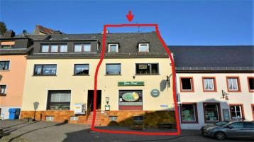 Investitionsobjekt: Wohnhaus mit Gewerbefläche, sowie Terrasse