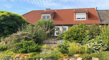 Nordseeheilbad Nordstrand! Wohnhaus in bester Lage!