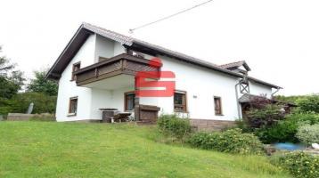 Freistehendes Einfamilienhaus in erhöhter Randlage mit großem Grundstück