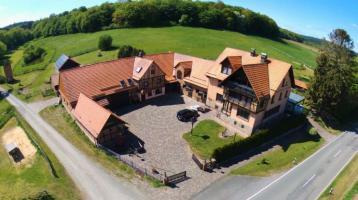 Gepflegte Hofanlage mit weitläufigen Ländereien im Waldecker Land - Nähe Diemelstadt