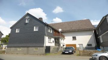 *** Ein- Zweifamilienhaus mit großer Scheune, Garage und 3.500 m2 Wiese in Bromskirchen zu verkaufen ***