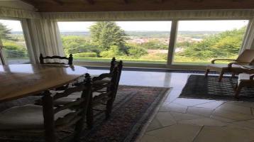 Villa in traumhafter ruhiger Aussichtslage mit ca. 1495 qm Grundstück in Ravensburg !!