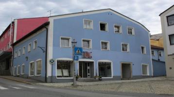 Kapitalanlage - Geschäfts- und Mehrparteienwohnhaus mit Ensembleschutz in bester Stadtplatzlage