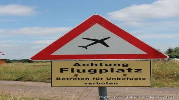 Flugplatzanteil mit zwei Holzhäusern! Freizeitgrundstück - Camp Ground - 5.910 qm!