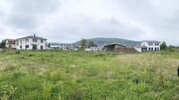 Der Grundstein für Ihr Eigenheim -attraktives Baugrundstück im zentral gelegenen, ruhigen Wohngebiet