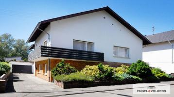 Zweifamilienhaus in Top-Lage von Schwalbach