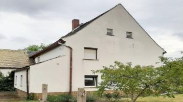 Renovierungsbedürftiges EFH für Heim- und Handwerker in Kössern