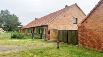 3 - Seitenhof mit großem Grundstück