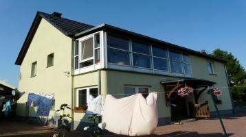 großes Einfamilienhaus und weiterer großer Baugrund mit Wasserfläche, ruhig bei Grimma gelegen, incl Pool, Garagen u.v.m.