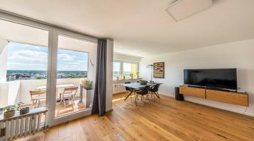 Wohnen über den Dächern von Germering, exklusiv sanierte 3-Zimmer Wohnung!