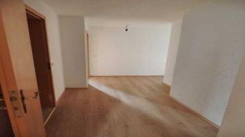 Sanierte 4-Raum-Wohnung Im Dachgeschoß zu verkaufen