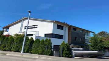 EXKLUSIVE Doppelhaushälfte in seenaher und ruhiger Lage