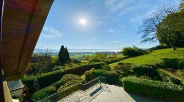 Villa mit See- und Bergblick in Lindau am Hoyerberg