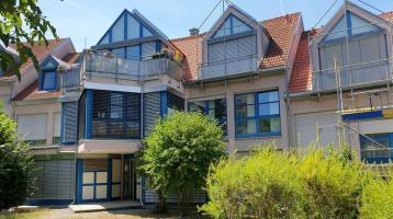 Für Kapitalanleger: Gut vermietete 1-Zimmer-Wohnung mit 2 Doppelparkern