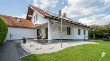 Schönes Einfamilienhaus mit 5 Zimmern, gepflegten Garten, Garage und gehobener Ausstattung