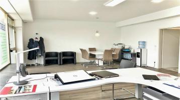Büro/Praxis oder Möglichkeit zum Umbau zu eine Wohneiheit