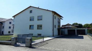 Zweifamilienhaus mit großem Grundstück in ruhiger Lage in Dietfurt