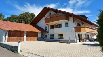 Frei stehendes Zweifamilienhaus mit zusätzlichem Einliegerbereich - modern ausgestattet!