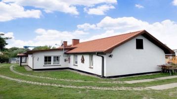 Zwei Bungalows und Baureserve in Mahlzow!