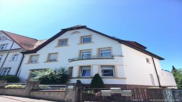 DURLACH: helle Wohnung auf zwei Ebenen mit 3 Schlafzi, große Dachterrasse in ruhiger Lage