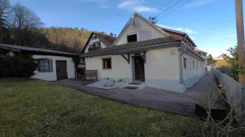 Bad-Wildbad-Calmbach, hübsches Häuschen mit schönem Garten, 631 m² Grundstück, und 2 Garagen