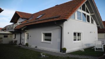 Jetzt Eigenheim erwerben! - Zwei Einfamilienhäuser + Gartengrundstück