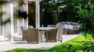 Villa im klassischen Stil mit Waldrandlage