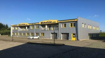 Versand- und Lagergebäude mit Büroflächen in unmittelbarer Autobahnzufahrt Nahe Itzehoe zu verkaufen