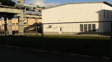 Gewerbehalle(648m²) mit Portalkran(5t) Grundstück(2200m² voll erschlossen) Provisionsfrei