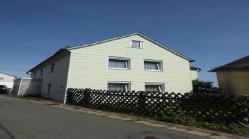 Renovierungsbedürftiges Einfamilienhaus mit Nebengebäude in dörflicher Lage - Nähe Naila