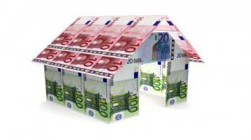 Gelegenheit: freistehendes Einfamilienhaus mit Doppelgarage
