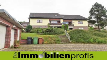 1439 - Sichere Mietrendite: 4 Zi.-Eigentumswohnung mit Garten und Garage