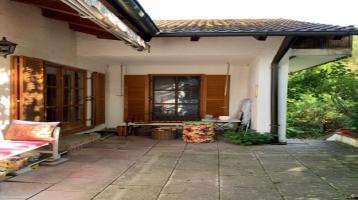 Großes Landhaus mit Einliegerwohnung in Geisenfeld