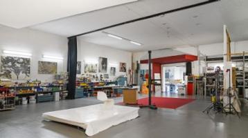 Geschäftsanwesen mit großer Halle, Wohnhaus und Garagen - 5,5% Rendite - Arbeits- und Lebensraum mit vielseitigen Nutzungsmöglichkeiten!