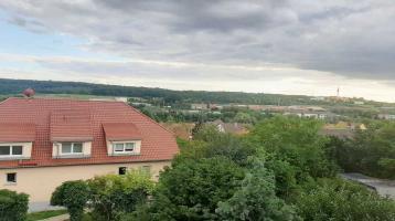4 Zimmer-Wohnung in ruhiger Wohnlage und tollem Ausblick