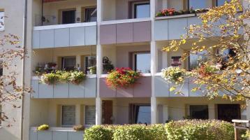 modernisierte 3-Zimmer-Wohnung mit Balkon und EBK in Pöhl