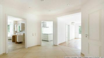 Hadern/Nähe Klinikum: herrliche 3-4 Zimmer Wohnung in 5 Familien Villa, Privatgarten, frei