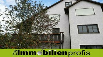 1456 - Hof 2 km: Herrliche 3 Zimmer-Eigentumswohnung mit 2 Balkonen und Garage