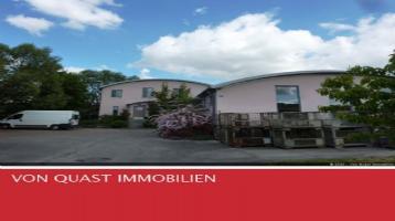 Liebevoll gebautes Wohnhaus + hochwertige Gewerbehalle + Fahrhof + Garten (Au/Hallertau)