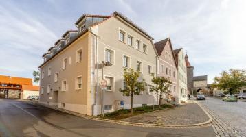 Offene Besichtigung am 01.11.2020 ab 11:00 Uhr Wohntraum mit Flair! Schöne helle und großzügige Dachgeschoßwohnung im Zentrum von Neustadt/Aisch